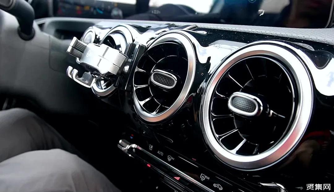 试驾奔驰A级:够格的豪华汽车!内饰精致,驾驶性不错