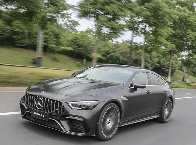 首款新能源奔驰AMG曝光,816匹对标帕拉梅拉插混