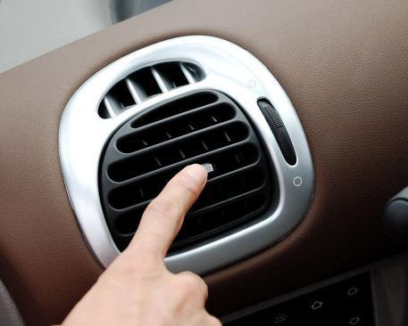 汽车空调多久清理一次?行程一万公里时,需要清洗蒸发箱和冷凝器吗?