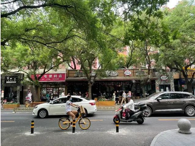 三里屯、蓝色港湾、侨福芳草地,看北京三环内的卖车江湖