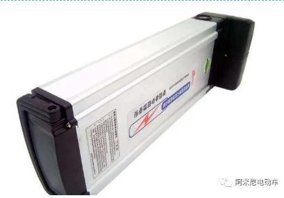 买电动车选铅酸电池还是选更耐用的锂电池,铅酸电池与锂电池比哪个好