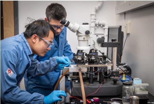 伯克利实验室开发新的热波诊断技术 深入测试电池性能
