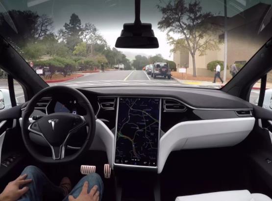 马斯克称或授权其他品牌使用其自动驾驶技术