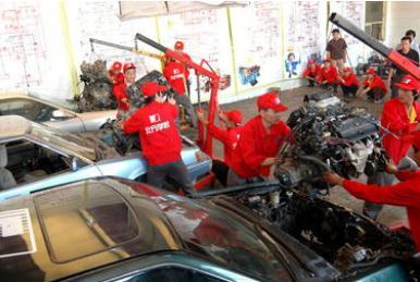 高职汽车运用与维修专业实践教学的现状、存在问题及措施