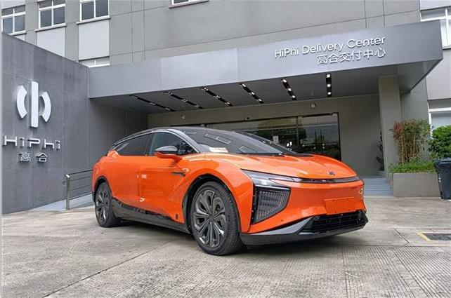 新能源汽车开始侵占起传统燃油车市场,高合销量逼近保时捷