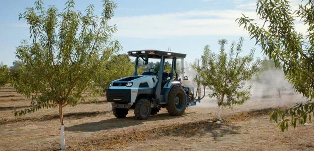 高科技农用车来了!特斯拉前员工推出自动驾驶电动拖拉机