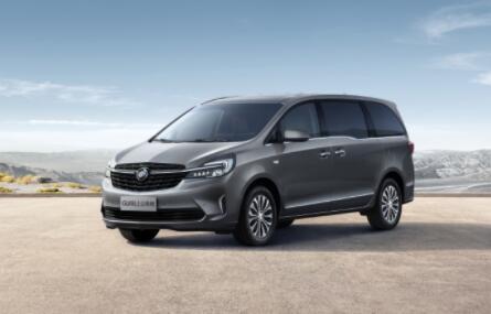 2022款别克GL8陆上公务舱上市,共推出7款车型,售价23.29万元-32.99万元